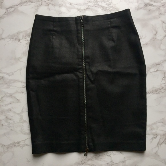 H&M Dresses & Skirts - Black Zippered Skirt